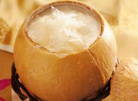 Yến sào chưng nước dừa
